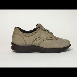SAS EASY WALKING SZ 8 SUED LACE UP OXFORD SHOES